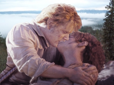 Sam and Frodo Kissing
